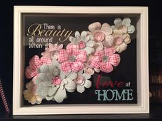 Little Miss Suzy Q: Shadow Box with Paper Flowers. Shadow Box Picture Frames, Shadow Frame, Diy Shadow Box, Vinyl Crafts, Diy And Crafts, Paper Crafts, Card Crafts, Flower Shadow Box, Flower Frame