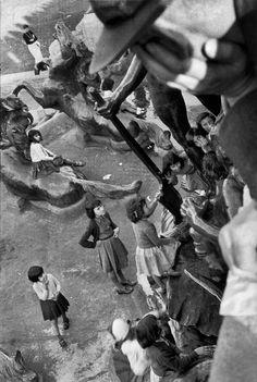 Sergio Larrain ARGENTINA. Buenos Aires. From the monument 'A los dos Congresos'. 1957-1958.