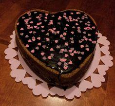 Suklainen ystävänpäiväkakku Cake, Desserts, Food, Tailgate Desserts, Deserts, Kuchen, Essen, Postres, Meals
