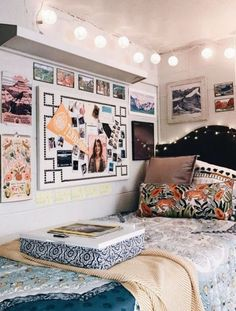 If you need ideas for cute dorm rooms, here are tons of cute dorm room decor ideas that will give you inspiration! These chic and cute dorm room ideas are affordable and perfect for a student budget. Cute Dorm Rooms, Bedroom Design, Dorm Sweet Dorm, Girls Dorm Room, Bedroom Decor, Girl Room, Room Design, Room Decor, Room Inspo