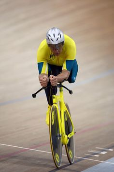 paraolympics track cycling