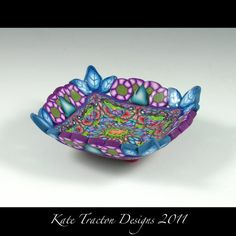 Ring bowl. This makes me think of a fancy silk pillow...