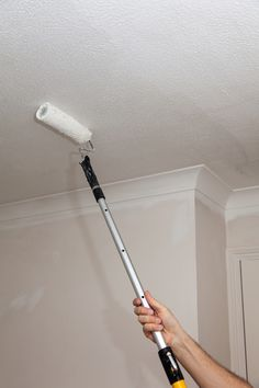 Készen állsz arra, hogy kicsit felfrissítsd az otthonod megjelenését? Íme 10 fontos dolog, amit nem árt szem előtt tartanod. ÁrnyalatokA falfesték színe az egész teret meg fogja határozni. A nagy forgalmú helyeken jól nézhet ki a fényes és a matt árnyalat is,…