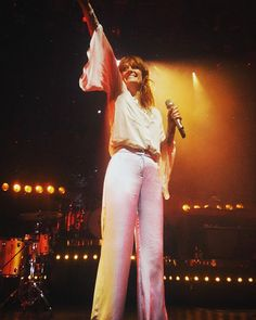 Aw I love this! // Florence Welch of Florence and The Machine