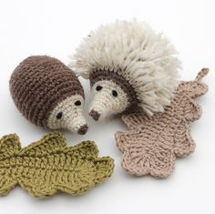 Egels haken | draadenpapier | Gratis patroon van InHaken Crochet Fall, Crochet Home, Cute Crochet, Beautiful Crochet, Knit Crochet, Crochet Animal Patterns, Stuffed Animal Patterns, Amigurumi Patterns, Crochet Animals