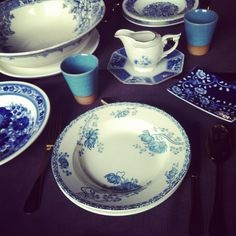Joy for Two Romantic tableware for two in Delft Blue porcelain. A joy in your china cabinet. But as well a perfect gift for newlyweds or just engaged friends.  Holds: two platters, two soup plates, a (salad)bowl, a small bowl, a big plate, a sauce boat on a chinese plate and a butterplate. The cups are earthenware. Comes with two anthracene napkins.