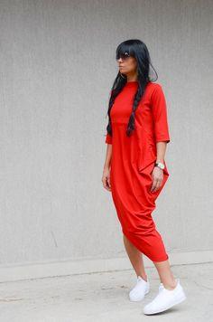 Asymmetrical Red Dress with Raglan Sleeves, #asymmetricaldress #reddress #raglansleevestop #longdress #loosedress #everydaydress #oversizedress #gardenpartydress #urbanstyledress #comfortabledress #plussizedress #maxidress #eveningdress