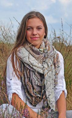 breipatroon asymmetrische ajour shawl sjaal omslagdoek