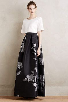 Etched Blooms Ball Skirt with cropped, boxy blouse Skirt Outfits, Dress Skirt, Dress Up, Vestido Dress, Modern Filipiniana Dress, Modest Fashion, Fashion Dresses, Party Wear, Party Dress