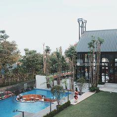 Kalpa Tree Bandung, tempat nongkrong baru lagi nih di daerah Ciumbuleuit! :) Sukaa banget sama tempatnya yang cozy dan luas, suasananya asik dan seger.