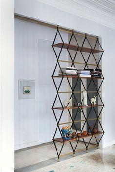 raumteiler ideen selber machen diy trennwand raumtrenner wohnzimmer design geometrische formen artefakte bücher