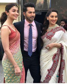 Alia Bhatt , Varun Dhawan and Madhuri Dixit make a fabulous trio at Kalank promotions - HungryBoo Bollywood Stars, Bollywood Fashion, Bollywood Outfits, Indian Attire, Indian Wear, Bollywood Celebrities, Bollywood Actress, Alia Bhatt Cute, Alia And Varun