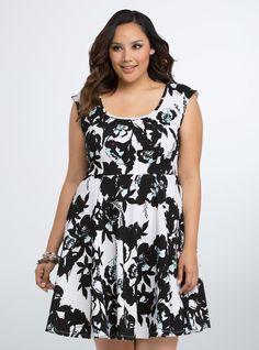 Plus Size Floral Textured Skater Dress, BOTANIC INQUIRY