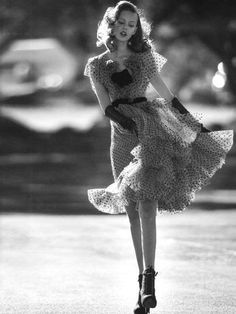 # 2 Look vintage - Estilo Vintage Ideas Glamour Vintage, Vintage Beauty, Vestidos Vintage, Vintage Outfits, Vintage Dresses, Looks Vintage, Vintage Modern, Vintage Style, 1930s Style