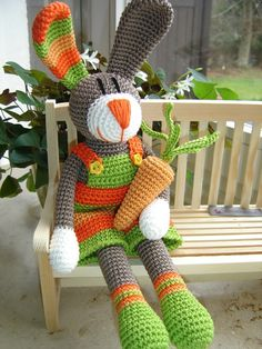 LuzPatterns.com bloged Easter Crochet bunny #crochetbunny #eastercrochet http://luzpatterns.com/2014/03/28/easter-crochet/