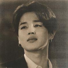 Foto Bts, Bts Photo, Retro Pictures, Park Jimin Cute, Somebody To Love, Jimin Wallpaper, Vintage Art Prints, Bts Playlist, Bts Korea
