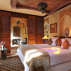 La Maison Arabe in Marrakech is one of the top luxury hotels in the world in this year's #TravelersChoice awards! #HotelGoals What other top hotels around the world should you be considering this year? Click on the link in our bio to find out! Hotels-live