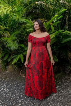 Island Wear, Island Outfit, Polynesian Dresses, Samoan Dress, Island Style Clothing, Luau Dress, Hawaiian Fashion, Big Girl Fashion, Curvy Outfits