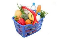 Save Money at the Grocery Store Without Using Coupons via MrsJanuary.com #frugal #savemoney