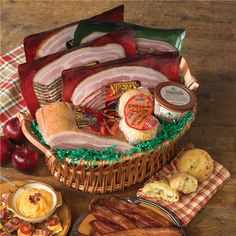 A sampler of Nueske's best selling bacons in a beautiful gift basket.  Includes…