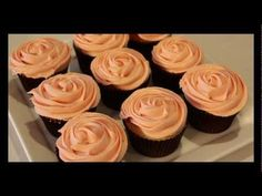 Buttercream Cupcake Roses by 22do - Simple rose piping technique