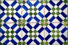 Resultado de imagem para azulejos de lisboa