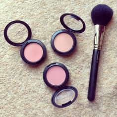 Mac blushed are my favorite they have beautiful colors. I recommend blush baby it is so natural and pretty good for all seasons.