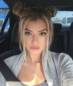 Alissa makes me laugh every time I watch her vids. Alissa Violet Style, Alissa Violet Hair, Hair Inspo, Hair Inspiration, Pelo Color Gris, About Hair, Pretty Hairstyles, Two Buns Hairstyle, Long Ponytail Hairstyles
