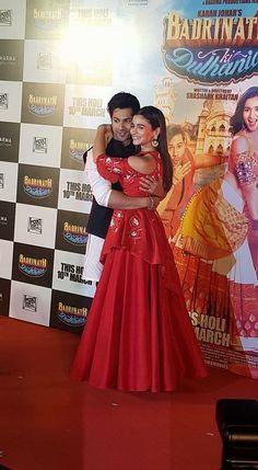 Varun and Alia cozy up at Badrinath Ki Dulhania trailer launch