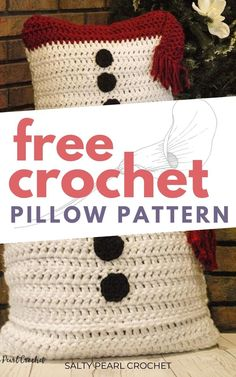 The free crochet Snowman Pillow Sham is a perfect gift idea for your children. This pattern is a great adventure for crochet beginners! You can find this free pattern on Salty Pearl Crochet. Crochet Snowman, Crochet Christmas, Crochet Gifts, Free Crochet, Holiday Crochet Patterns, Pillow Shams, Pillows, Crochet Pillow Pattern, Cute Snowman