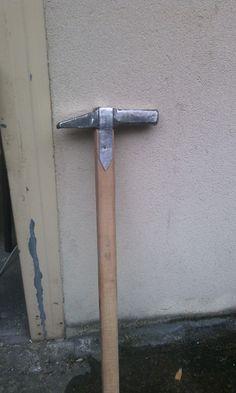 Martello da guerra da un martello da maniscalco - fase uno