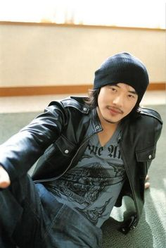 Kwon Sang Woo never fail every time his picture pops up I get.. Distracted...