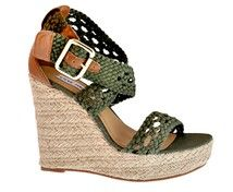 These would be great to wear with one of my maxi dresses this summer...