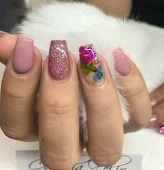 32 outstanding short coffin nails design ideas for all tastes 31 – nothingidea. Fabulous Nails, Perfect Nails, Gorgeous Nails, Hair And Nails, My Nails, Manicure E Pedicure, Cute Acrylic Nails, Pretty Nail Art, Flower Nails