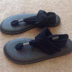 Sanuk Yoga Sandals NWOB Black cushioned sandals with fabric foot straps. Never worn. Sanuk Shoes Sandals