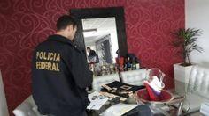 A Polícia Federal, em ação com a Receita Federal do Brasil, deflagrou nesta sexta-feira, 9, a Operação Ablacto contra fraudes em declarações de Imposto de Renda Pessoa Física. A investigação mira em r ...