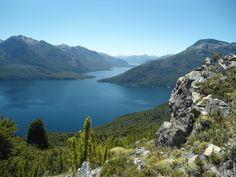 Parc national Los Alerces, Argentina#La Créé en 1937, le parc national Los Alerces (en espagnol : Parque Nacional Los Alerces) est situé dans la province de Chubut, en Patagonie argentine. Le parc fait partie avec les parcs nationaux Lanín, Nahuel Huapi, Los Arrayanes et Lago Puelo de la réserve de biosphère Andino Norpatagonica reconnue par l'Unesco en 2007. #http://urlz.fr/3g9L#Depart vers les Andes#4,6,6