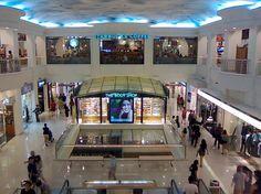 Top 10 shopping malls in Singapore. VivoCity, Paragon, ION Orchard, Plaza Singapura, Wisma Atria, Suntec City, Mustufa Centre, Raffles City, Funan DigitaLife Mall, Ngee Ann City & more.