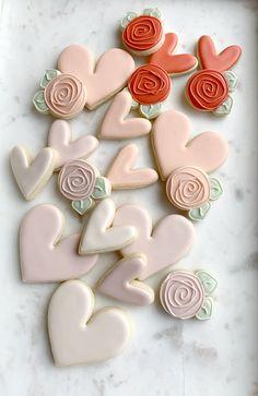 Summer Cookies, Fancy Cookies, Valentine Cookies, Cute Cookies, Cupcake Cookies, Valentines, Sugar Cookie Royal Icing, Iced Sugar Cookies, Royal Icing Decorated Cookies