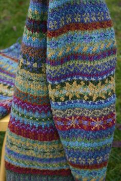 30 Great Picture of Colorwork Knitting Patterns Fair Isles - topiccraft Fair Isle Knitting Patterns, Fair Isle Pattern, Knitting Charts, Easy Knitting, Knitting Stitches, Knitting Designs, Knit Patterns, Knitting Projects, Knitting Ideas