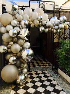 Golden garland of latex balloons, mylar balloons and geometric balloons. Buy Balloon Accessories www White Balloons, Mylar Balloons, Balloon Garland, Latex Balloons, Balloon Decorations, Balloon Arch, Graduation Decorations, Birthday Decorations, Wedding Decorations