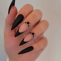 Halloween Acrylic Nails, Black Acrylic Nails, Best Acrylic Nails, Summer Acrylic Nails, Black Nail Art, Black Glitter Nails, Black Stiletto Nails, Halloween Coffin, Halloween Ideas