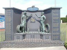 Ayrton Senna and Juan Manuel Fangio monument - Donnington Park