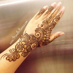 Fun, creative, rebellious, many people love getting tattoos and use them as a platform for self-expression. Tattoos can be satisfying both physically while looking at them and mentally when you con… Mehndi Designs For Girls, Unique Mehndi Designs, Beautiful Henna Designs, Arabic Mehndi Designs, Latest Mehndi Designs, Bridal Mehndi Designs, Simple Mehndi Designs, Henna Tattoo Designs, Unique Henna
