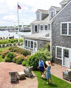Tropical Home Decor, Tropical Houses, Beach Haven, Nantucket Island, Beach Shack, Beach Cottage Decor, New Theme, Beach Cottages, The Hamptons