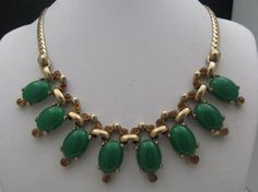 Charming 60 's Faux Jade Choker Necklace