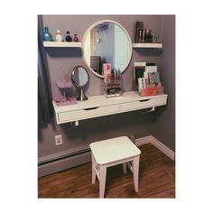 Room Ideas Bedroom, Bedroom Decor, Deco Rose, Small Apartment Interior, Small Space Bedroom, Cute Room Decor, Upstairs Bathrooms, Stylish Bedroom, Home Room Design