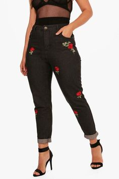 1b46c2eb7ebb boohoo Plus Carla Embroidered Mom Jeans Trendy Plus Size Fashion
