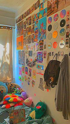 Indie Bedroom, Indie Room Decor, Cute Bedroom Decor, Room Design Bedroom, Aesthetic Room Decor, Room Ideas Bedroom, Bedroom Inspo, Chambre Indie, Pinterest Room Decor
