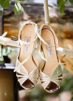 The bride pick this fabulous pair of Jimmy Choo as her wedding shoes. Great choice!